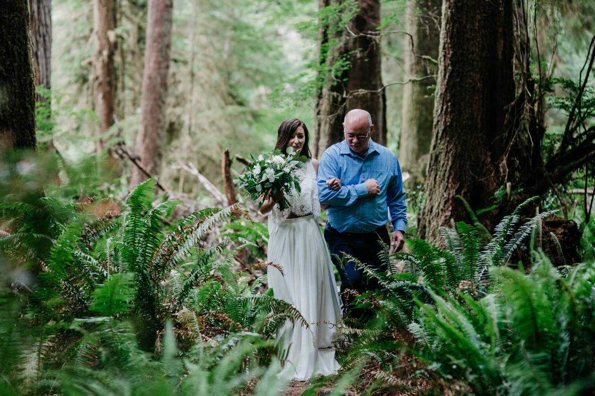 Carrie Thomas Redwoods Wedding photographer-28